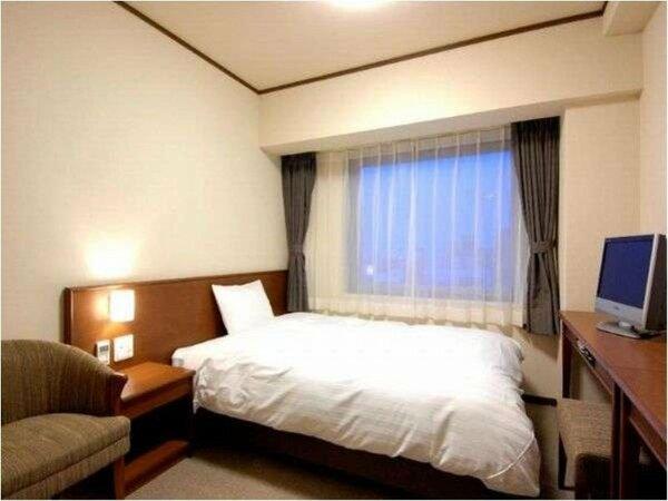 【客室】『ダブルルーム』 広さ15平米 ベッドサイズ横140cm×縦200cm(1台)