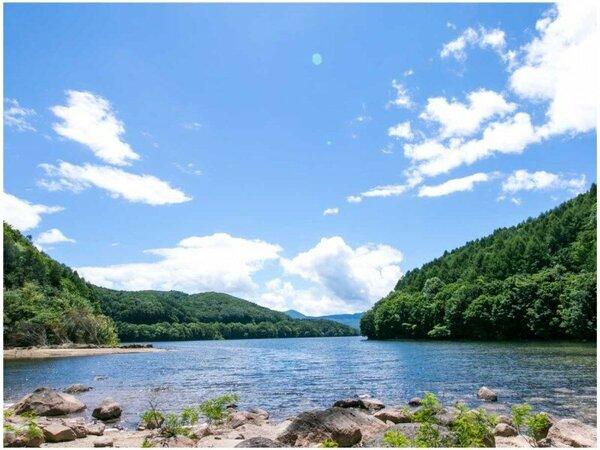 【桧原湖】裏磐梯エリア。磐梯高原中心に位置する最大の湖。