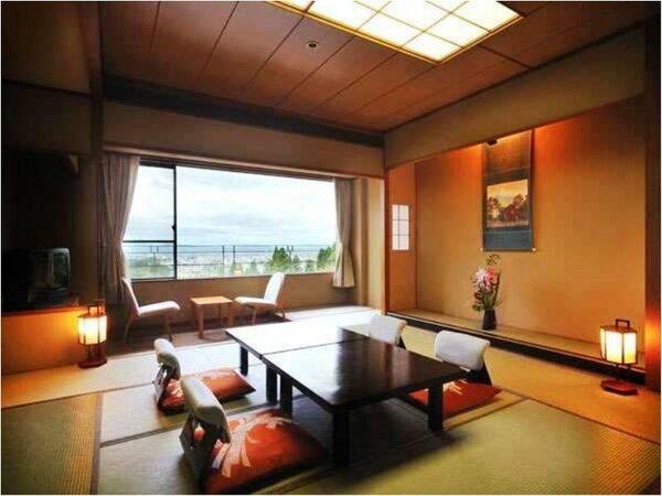 朱雀亭城下町側の眺望の良い和室の一例(バス・ウォシュレット・地デジ液晶TV付)