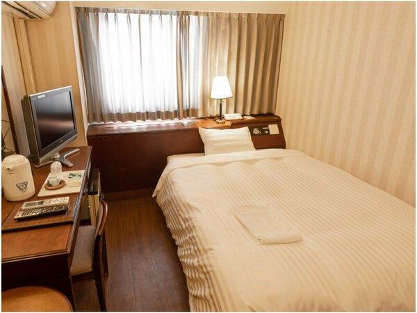 スタンダードダブル 140cm幅のダブルサイズのベッドはおふたりでもごゆっくりおくつろぎいただけます