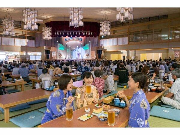 湯あみの島 3階大広間歌謡ショウも無料で観覧可