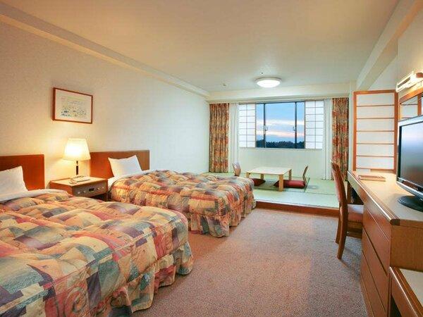 6畳の小上がりスペースが便利なファミリールーム♪