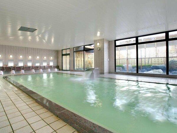 大浴場は深夜24:30まで営業しているのでごゆっくりお楽しみください。