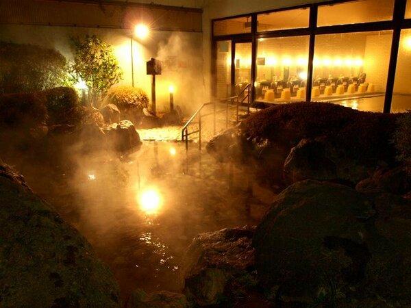 那須温泉露天岩風呂で身体の芯から温まる♪