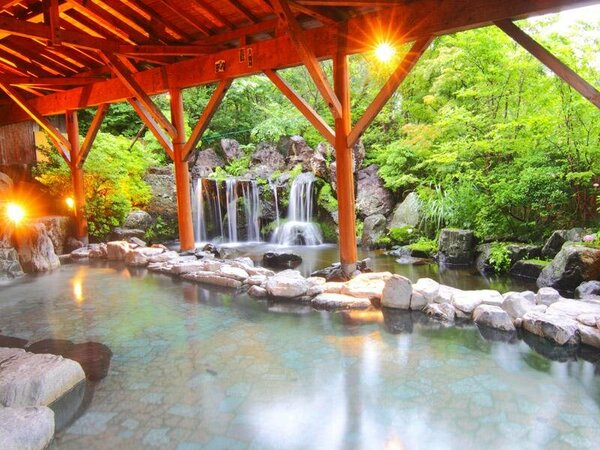 露天風呂◆那須有数の広さを誇る温泉露天風呂12:00~25:00 / 4:30~10:00