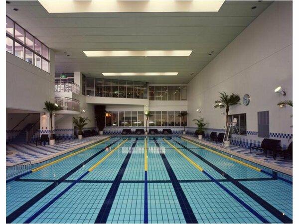 25m室内温水プール。10時~22時まで宿泊者は無料で利用可能!