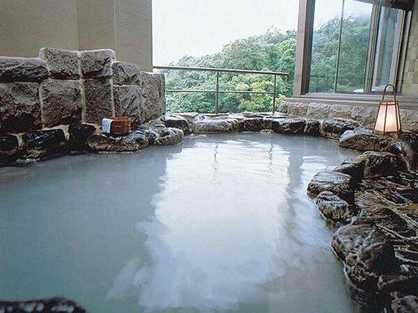 岩風呂(5階) 毎日日替わりです。 奇数日/男性 偶数日/女性がご利用いただけます