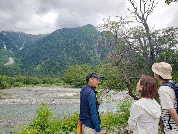 ネイチャーガイドツアーで上高地の自然を新発見