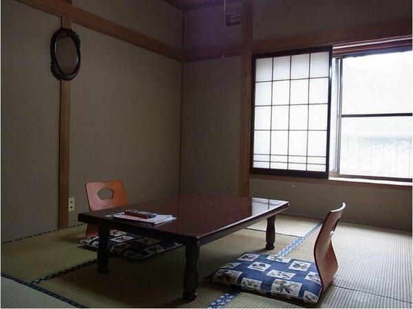 6畳和室の一例でございます。