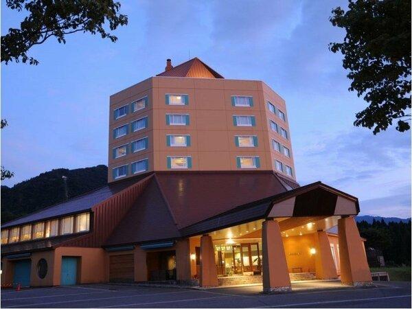 広大な舞子高原にたたずむホテル