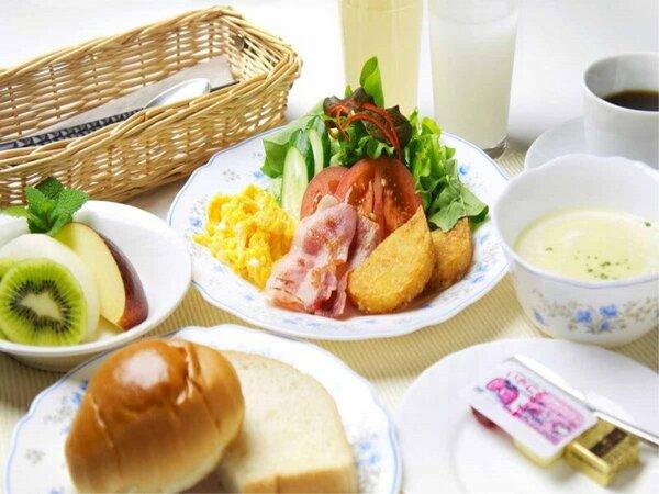 ご朝食(一例)/洋食・和食を日替わりでご提供しております。ご朝食で一日の活力を!