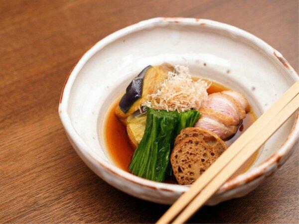 茶料理 一例「預鉢」