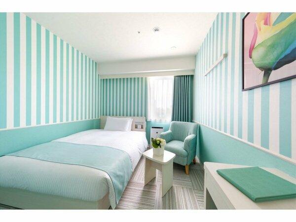【スタンダード シャワー】140cm幅のベッドをご用意。ゆったりとお過ごし頂けます
