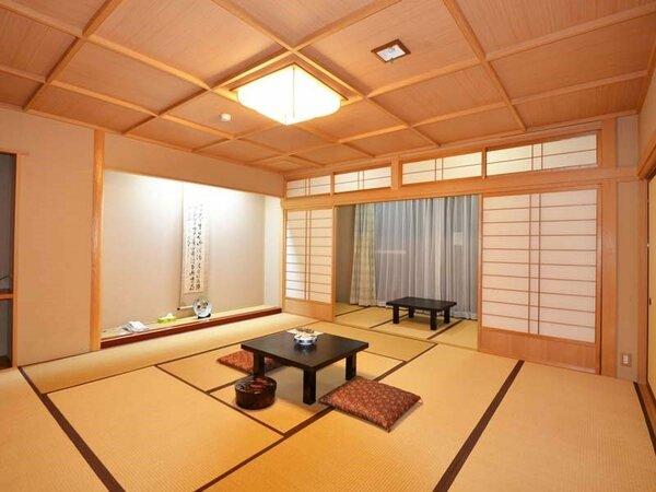 *グループのお客さまにおススメ。10畳+4畳の広々和室です。