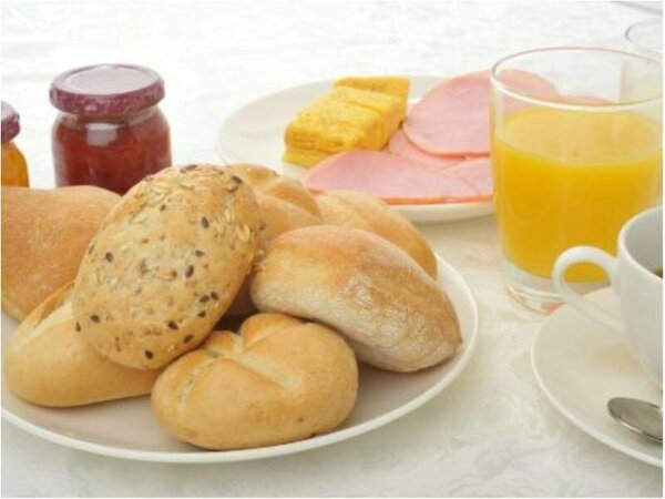 【レストラン花茶屋】スイス・ドイツの厳選された素材で製造されたパンをお召し上がりいただけます。