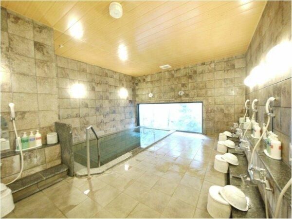 ラジウム人工温泉大浴場(写真は男湯)