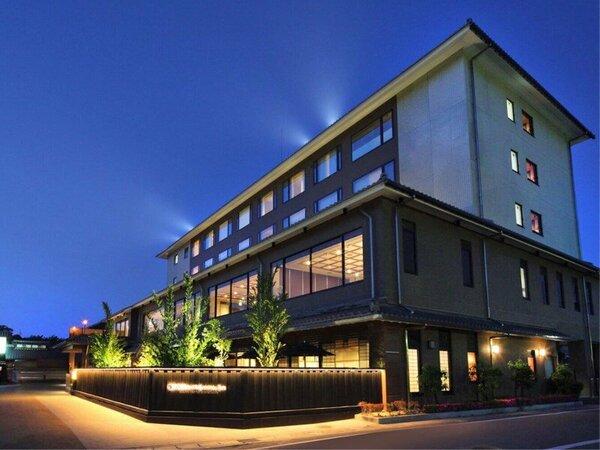 外観/目前に彦根城を望む『彦根キャッスル リゾート&スパ』