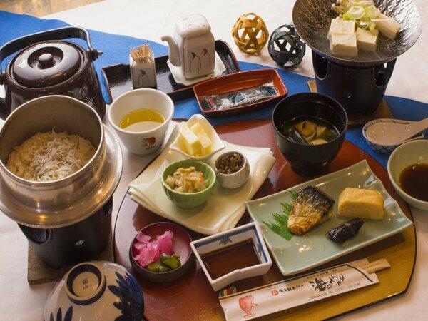 瀬戸内海を眺めながら「和朝食」