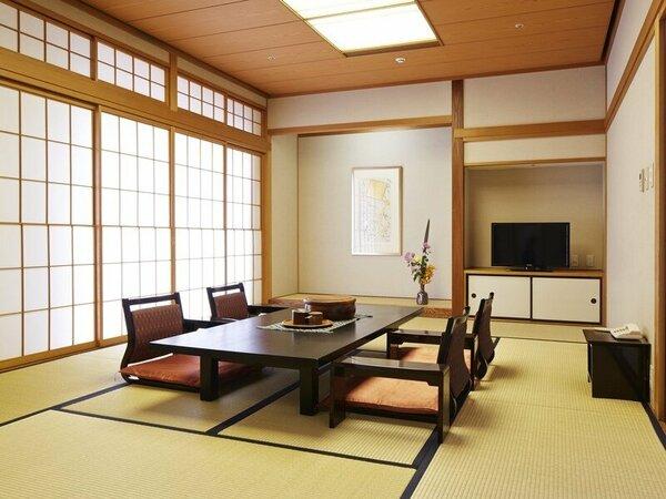 和室60.2平米10畳+4.5畳の2間ございます。