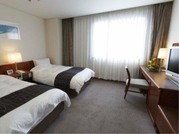 【ツイン】ご家族やお友達とのご利用に便利♪もちろんシモンズベッドでぐっすりお休みいただけます。