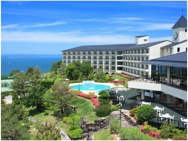 小豆島随一の広さを誇るリゾートホテル 海を見下ろす高台にあるリゾートホテルオリビアン小豆島