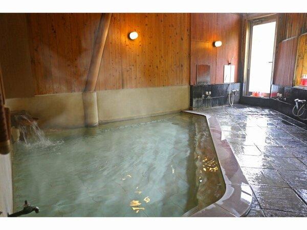 絹の湯 女性用大風呂 ゆっくり浸かって心も体もリフレッシュ