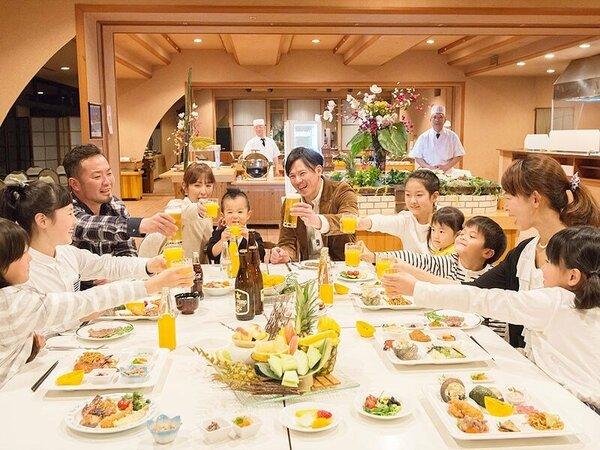 ◆お夕食バイキング~幅広いメニューはファミリーにぴったり!