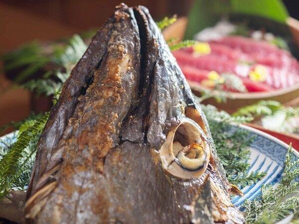 ◆お夕食バイキング~まぐろのカブト焼きはコラーゲンたっぷり♪