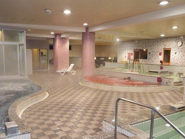 多彩なお風呂が揃う大浴場。利用時間は深夜2時まで。翌朝は5時から利用可。