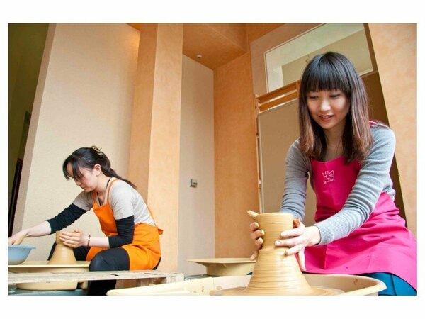 【作陶工房】オリジナルのお茶碗、お皿が作れます。ご旅行の記念にいかがでしょうか。