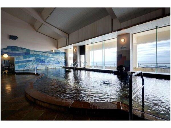 【展望大浴場】太平洋と鬼の洗濯板が一望できます。