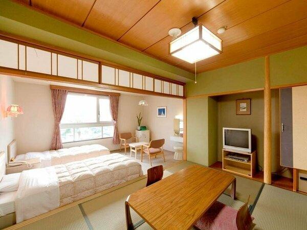 【山側和洋室一例】青島の山々を眺めるマウンテンビュー。6畳とツインの広々とした客室。