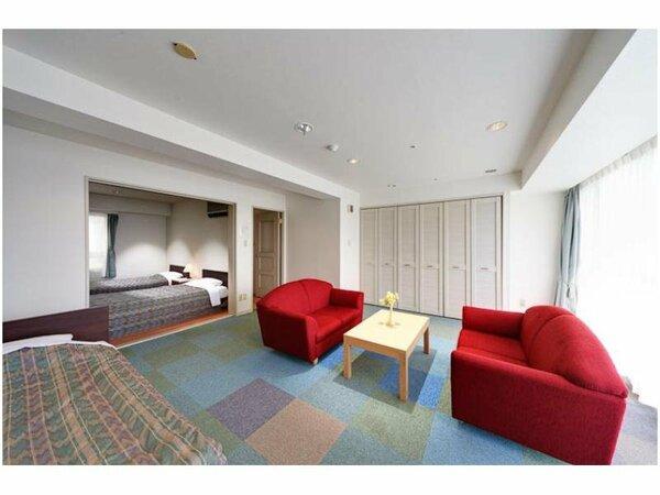 別館客室の一例。57平米以上の広々としたお部屋でゆったり寛げます。