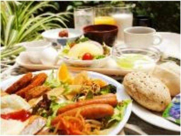 【朝食】ルートインのご朝食は和洋のバイキング形式!朝からしっかりと栄養補給♪