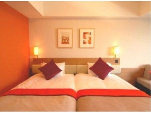 全室ベッド2台がくっついたハリウッドツインタイプなので、お子様の添い寝も安心!