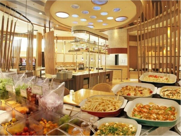 レストランオアシス 朝食ビュッフェ/契約農家さん直送の新鮮野菜や卵料理、フルーツなど豊富にご用意♪