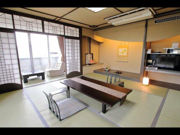 【最上階特別室】松山市街を望む和洋室