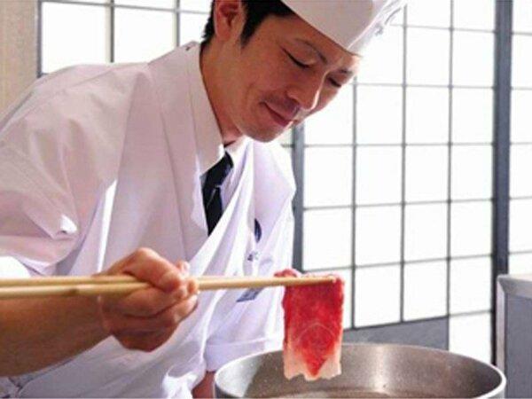 心遣いを添えた料理人の技冴えるお料理の数々をお楽しみください。