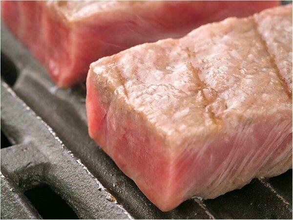 ■「ジュ~♪」と聞こえる焼き音、芳しい香り、滴る肉汁…五感全てを刺激!■