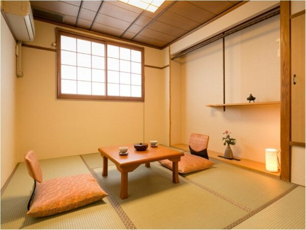 ■和室6畳■ひとりで泊まるには十分な広さ!