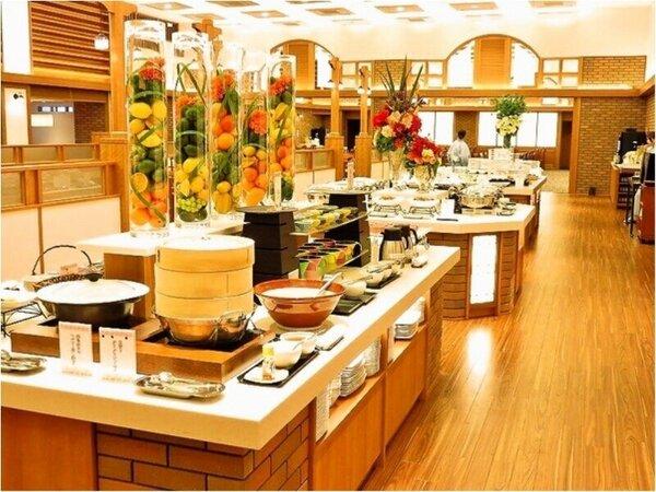 朝食バイキング:6階レストラン『六界』
