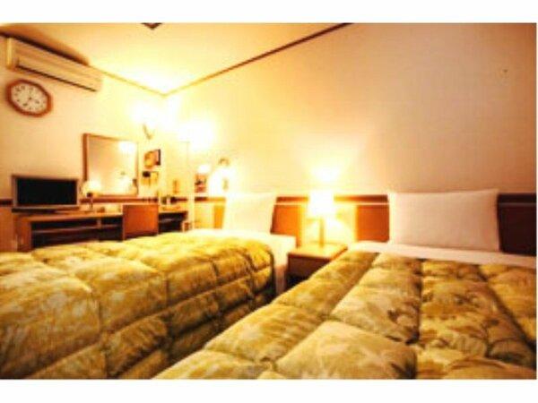 ツインルーム(14.58平米)120cm幅のベッドが2つ