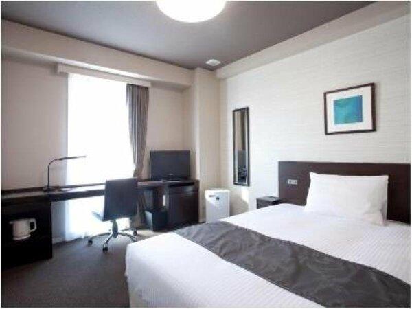 客室の一例 ゆったりダブルサイズベッド