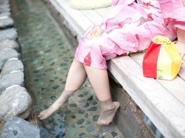 足湯に浸かってちょっと一休み♪
