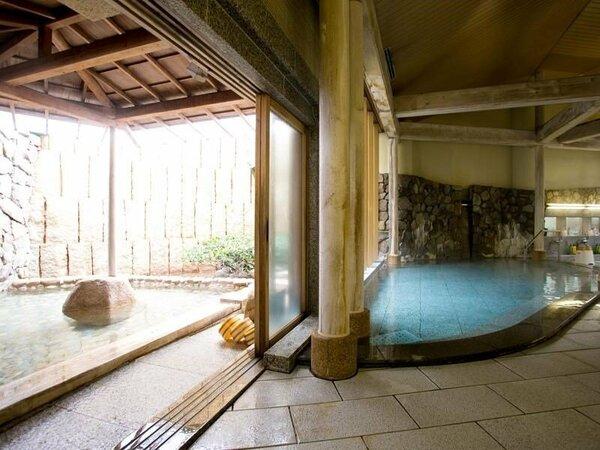 ~大浴場~露天風呂までは階段なども無く、スムーズにアクセス