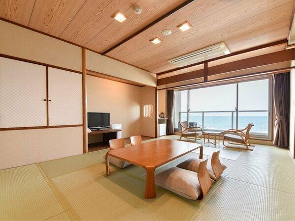 *【東館】和室10畳角部屋:足を伸ばしてゆっくり過ごせる畳のお部屋