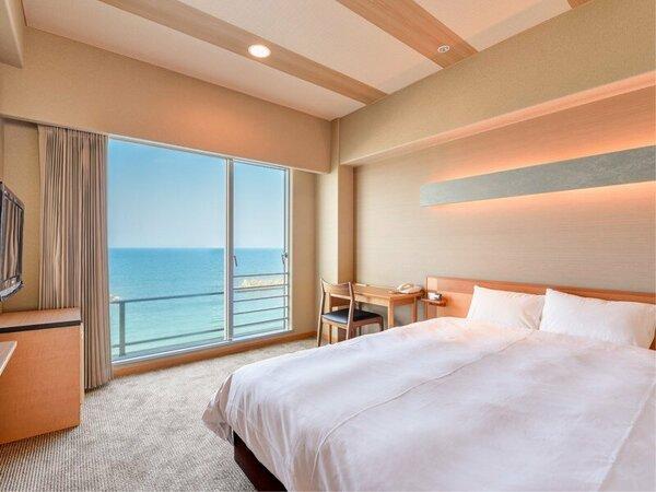 *【西館3・4階】セミダブル:カップルに人気!2人でもゆったりのベッド幅160cm。