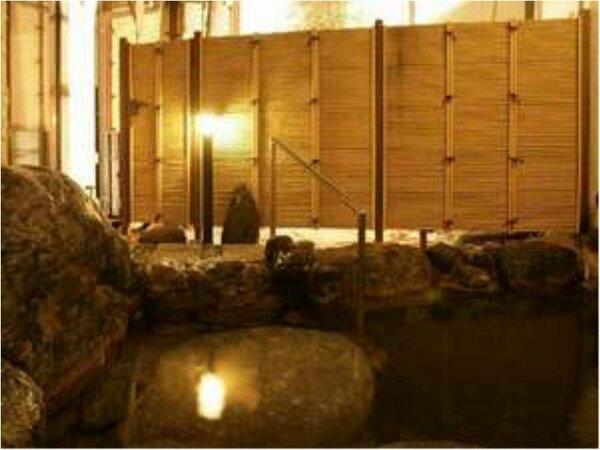 出口王仁三郎が霊界物語57巻から60巻を口述筆記したとされる露天風呂