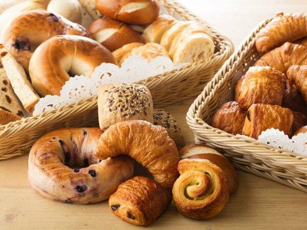 まるで小さなパン屋さん♪種類豊富なパンコーナー
