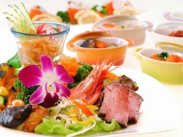 ◆夕食バイキング◆目にも美しいブッフェ(イメージ)